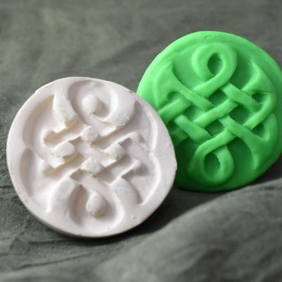 050: Eternal Celtic Knot Cookie Stamp