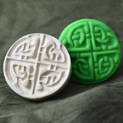 007: Four Seasons Celtic Knot Cookie Stamp